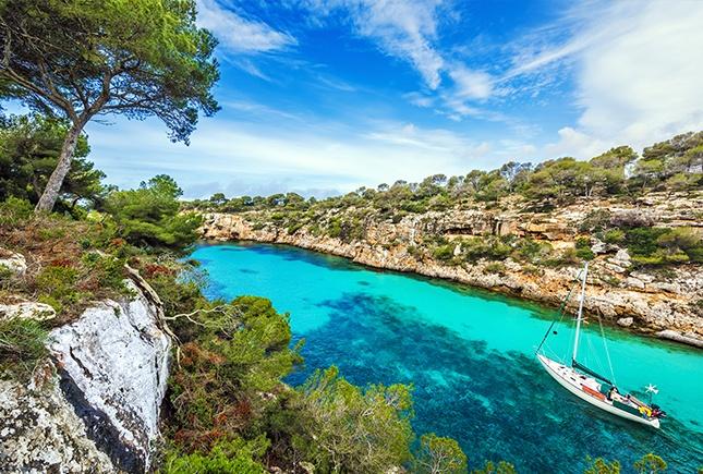 Atlantique VS Méditerranée : où partir en été ?